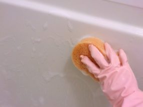 浴槽の水垢の落とし方