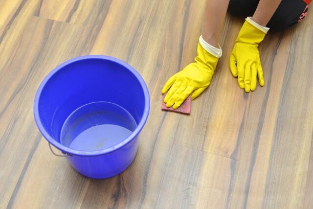 床のベタつき掃除