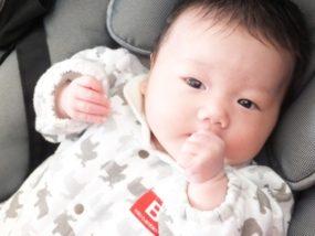 乳児の指しゃぶり