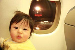 乳児と飛行機