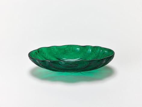 緑瑠璃十二曲長杯
